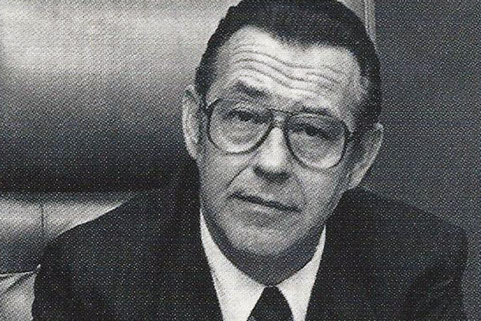 Dr. Peter Lamy